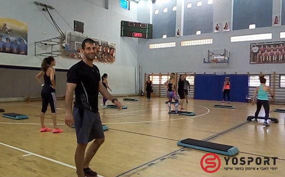 השתלמות אימון כושר באולם כדורסל