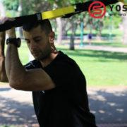 מבצע תרגיל זרועות עם רצועות